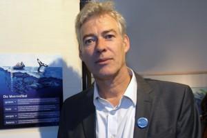"""Dr. Onno Groß von DEEPWAVE e. V. ist im MEERESMUSEUM auch mit der Sonderausstellung """"Meeresfibel"""" vertreten. (Foto: © Jan-Peter Reichert/Deutsches Meeresmuseum)"""