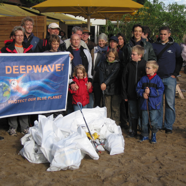 coastal clean up by deepwave