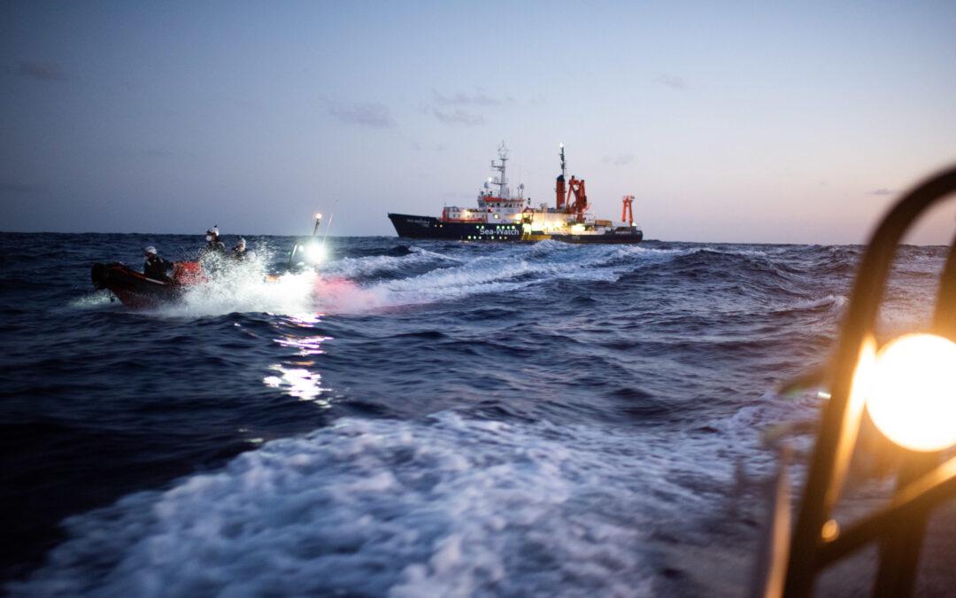 Sea-Watch_4_Im_Einsatz_Chris_Grodotzki_sea-watch-org